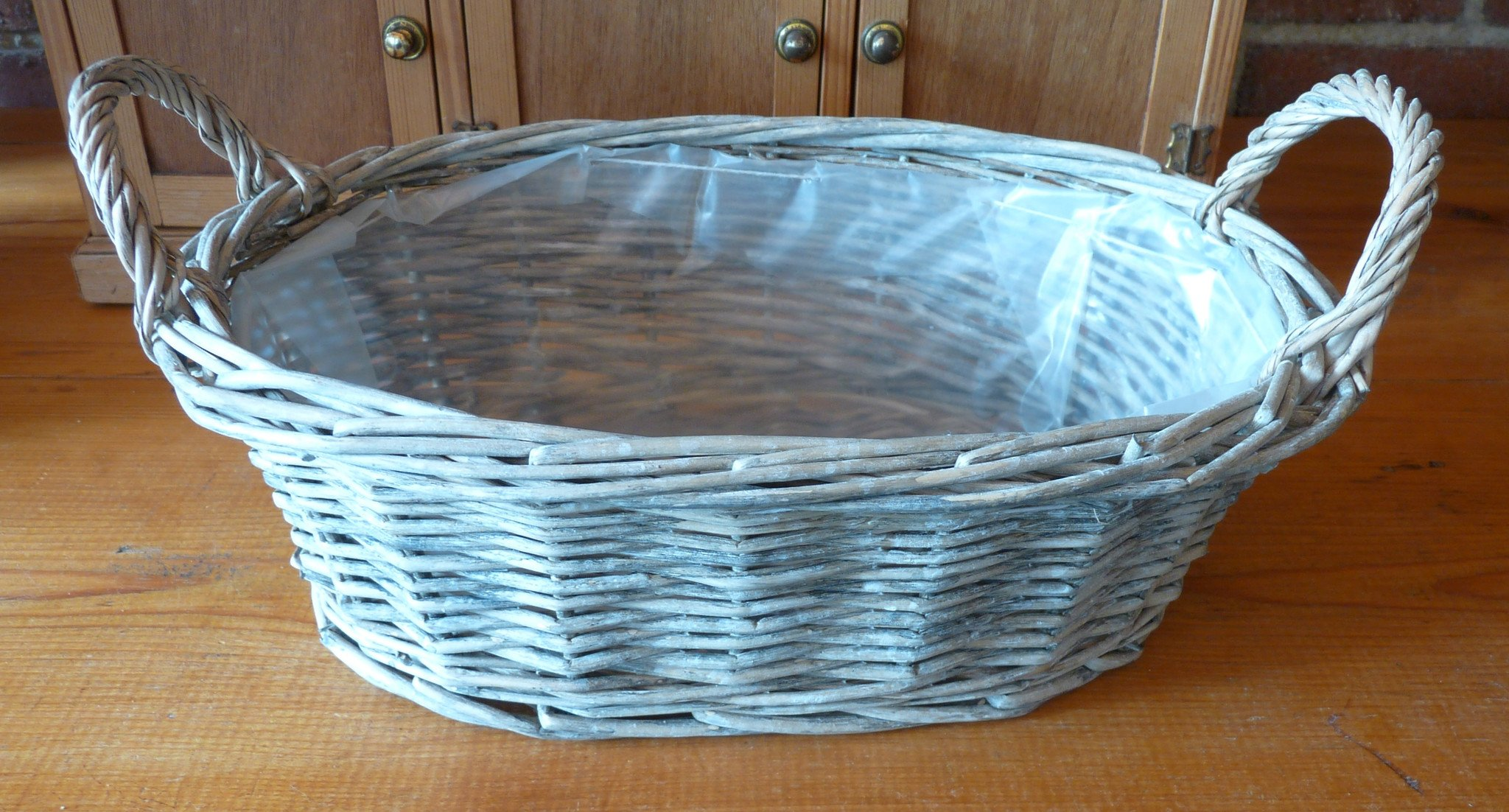 Oval basket with two handles
