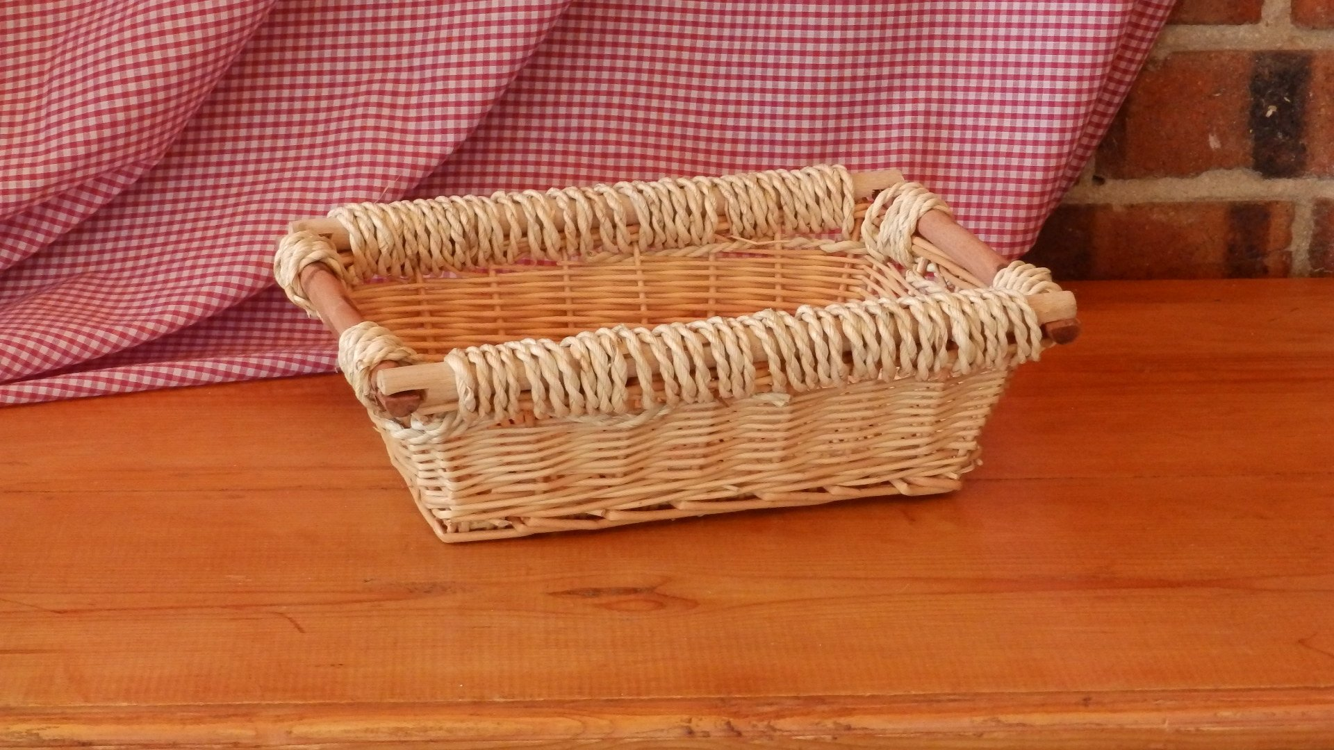 Rectangle basket with wooden handles