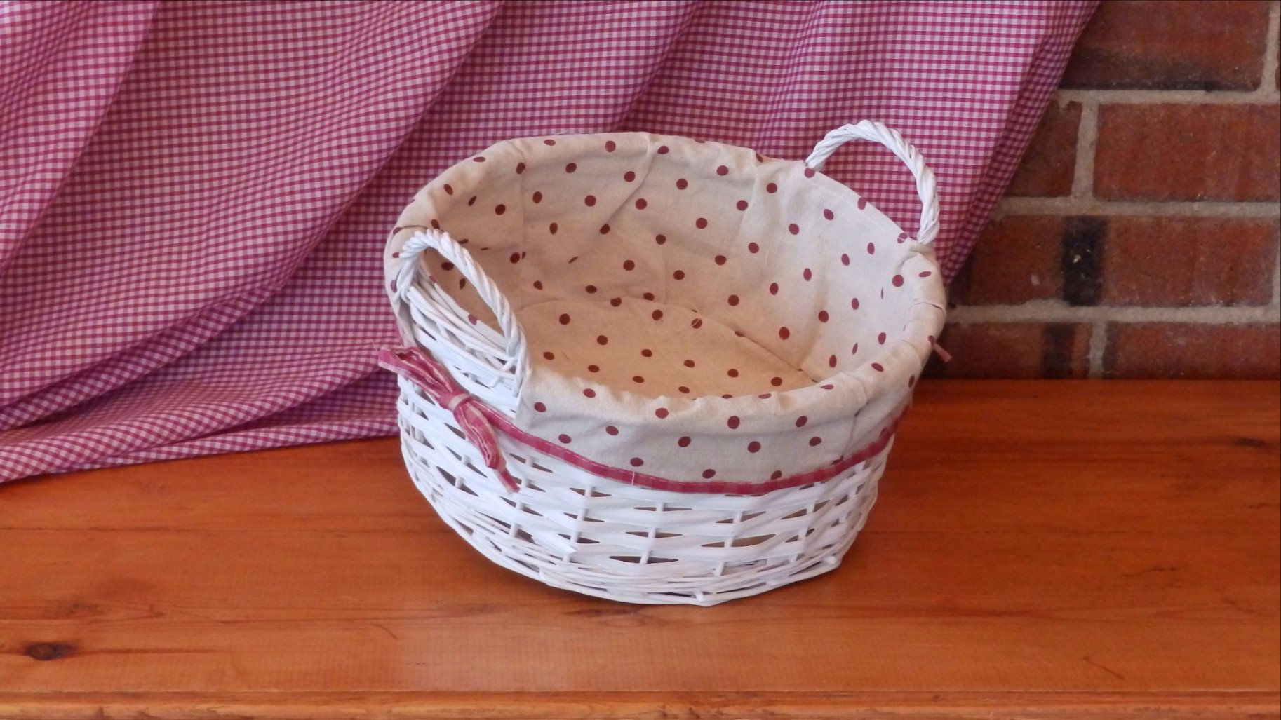 Medium White Wicker Basket with Polka Dot Lining